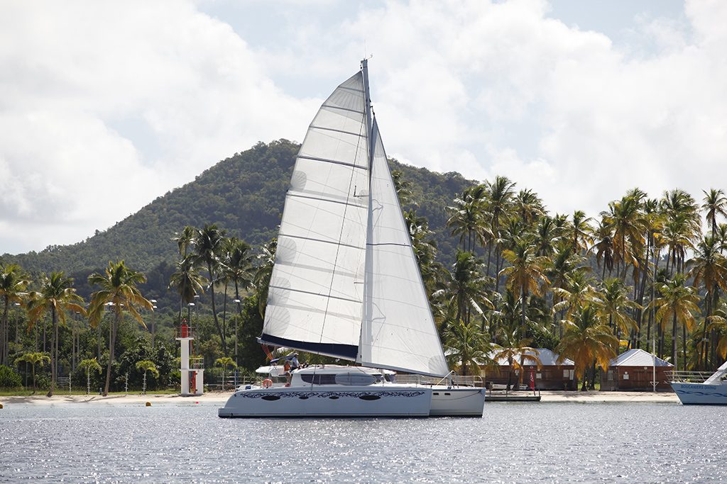 Catamaran Fountaine-Pajot plan d'eau de Sainte Anne