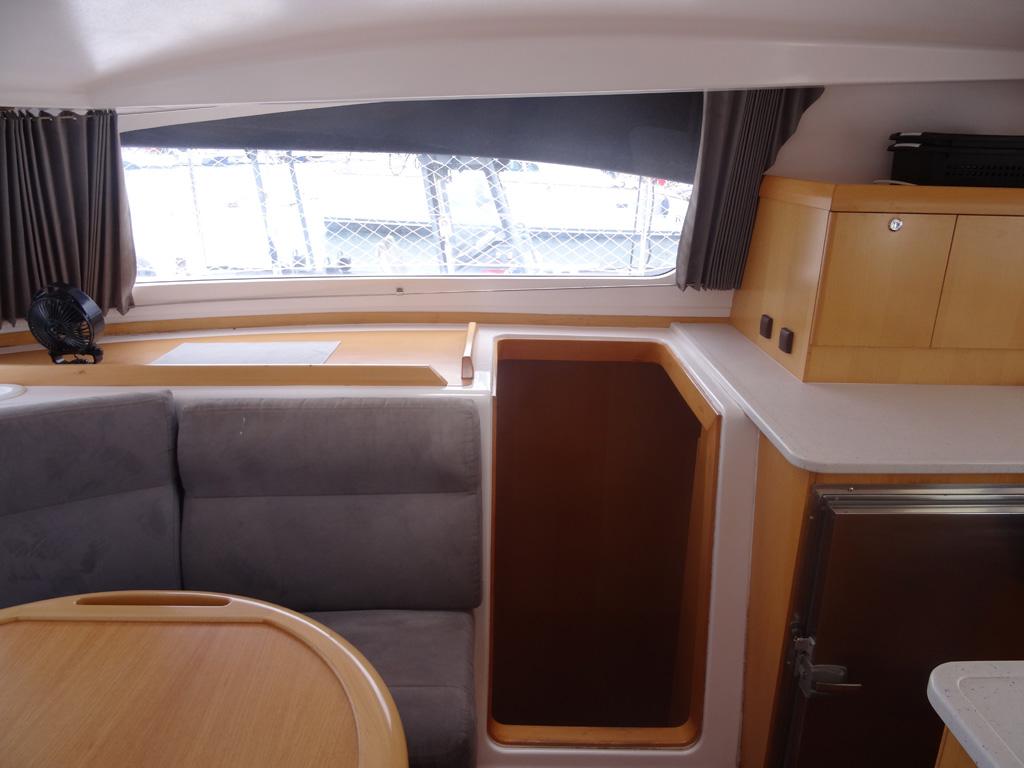Nautitech 442 descente tribord