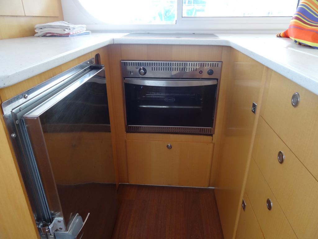 Nautitech 442 Four et réfrigérateur
