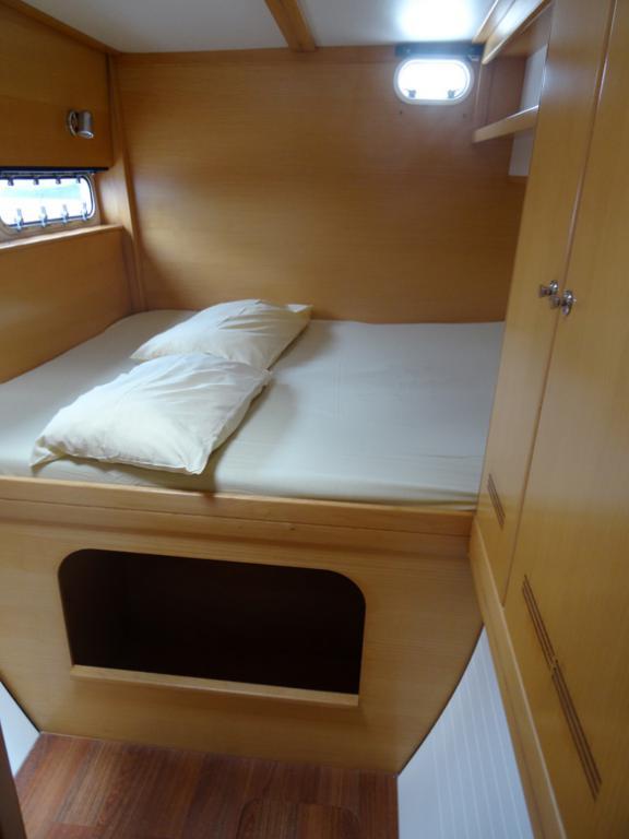 Nautitech 442 cabine arrière Tribord