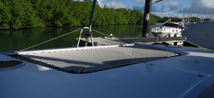 Fountaine-Pajot Mahé 36 evolution plage avant
