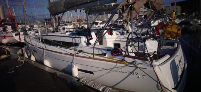 Sun Odyssey 389 docked