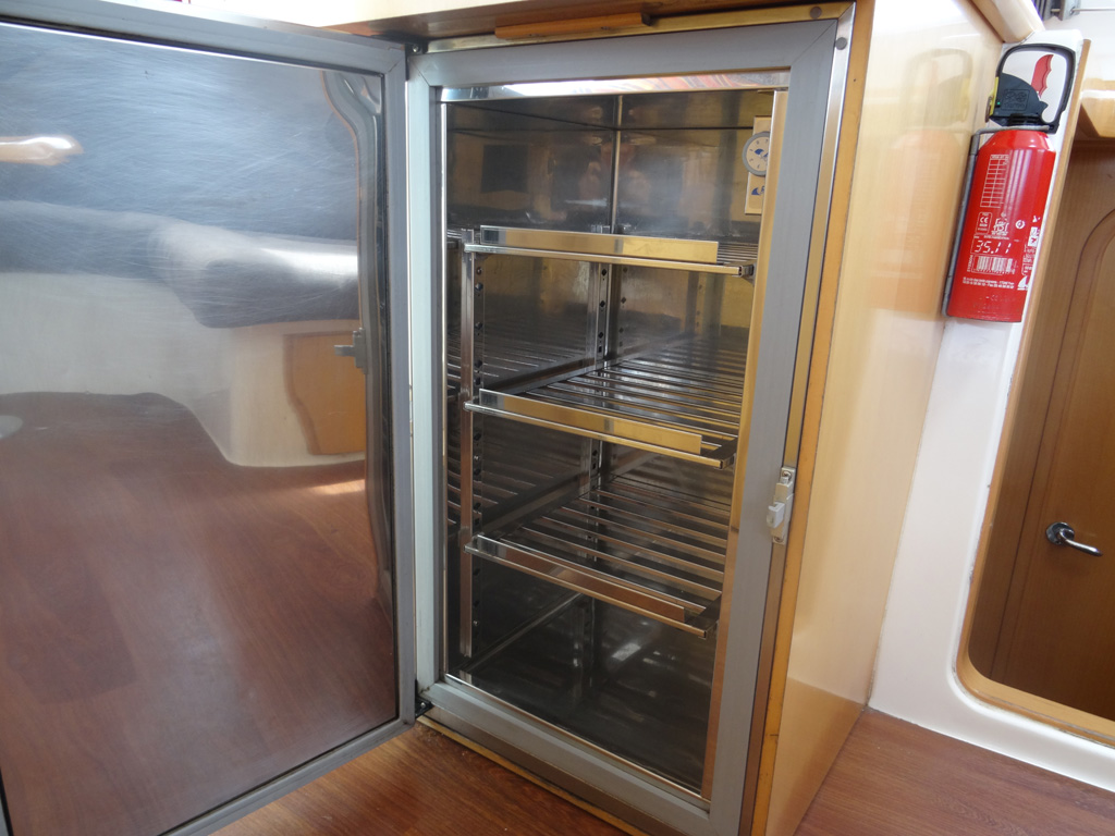 Nautitech 442 réfrigérateur